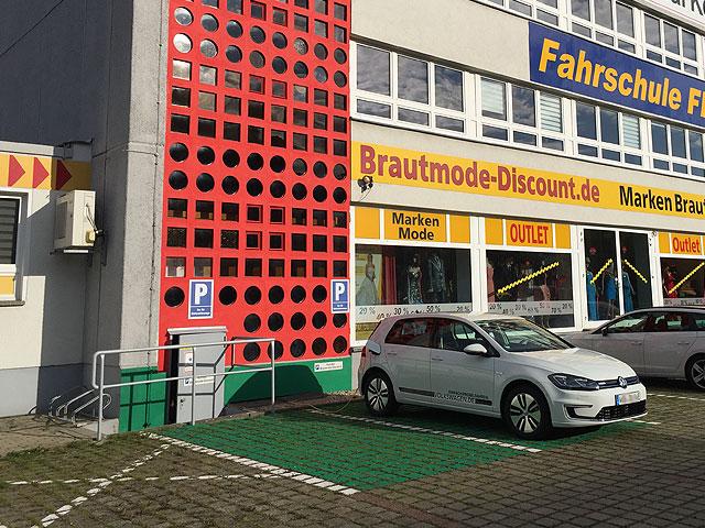 BrautmodeOutlet Bautzen Outlet Brautmode Elektroauto Parkplatz Historie 2017