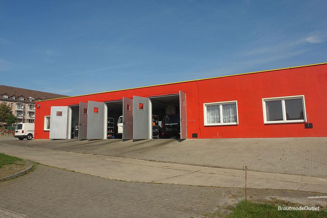 BrautmodeOutlet Bautzen Outlet Brautmode neue Mieter LFO Lackier- und Fahrzeugpflegezentrum Oberlausitz